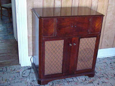 Airline Radio Phono Chest