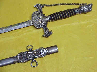 k-of-pythias-sword-ur-fcb-snyder-5