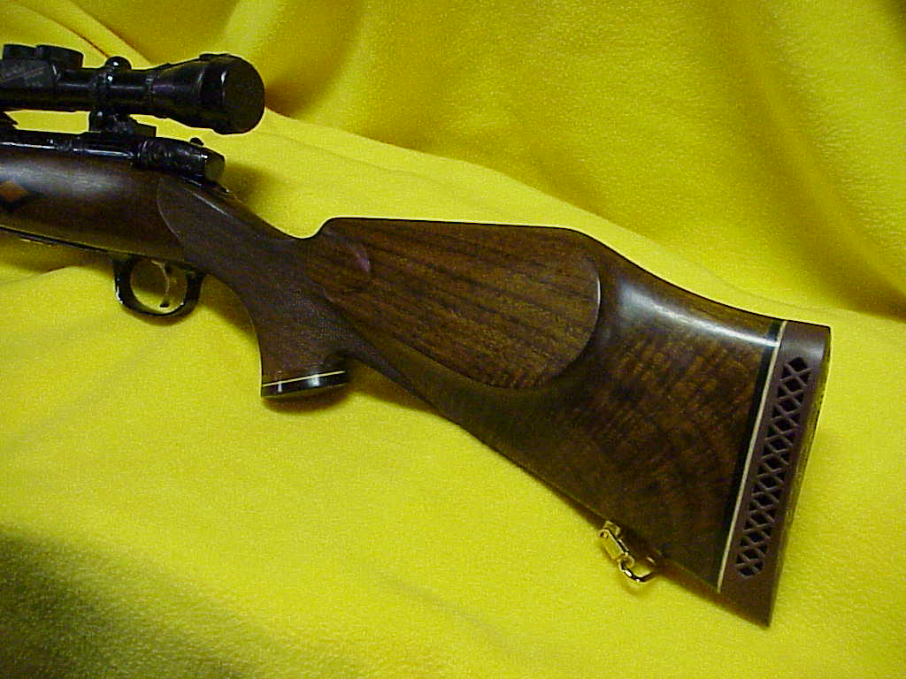 weatherby-mk-v-custom-deluxe-engraved-2