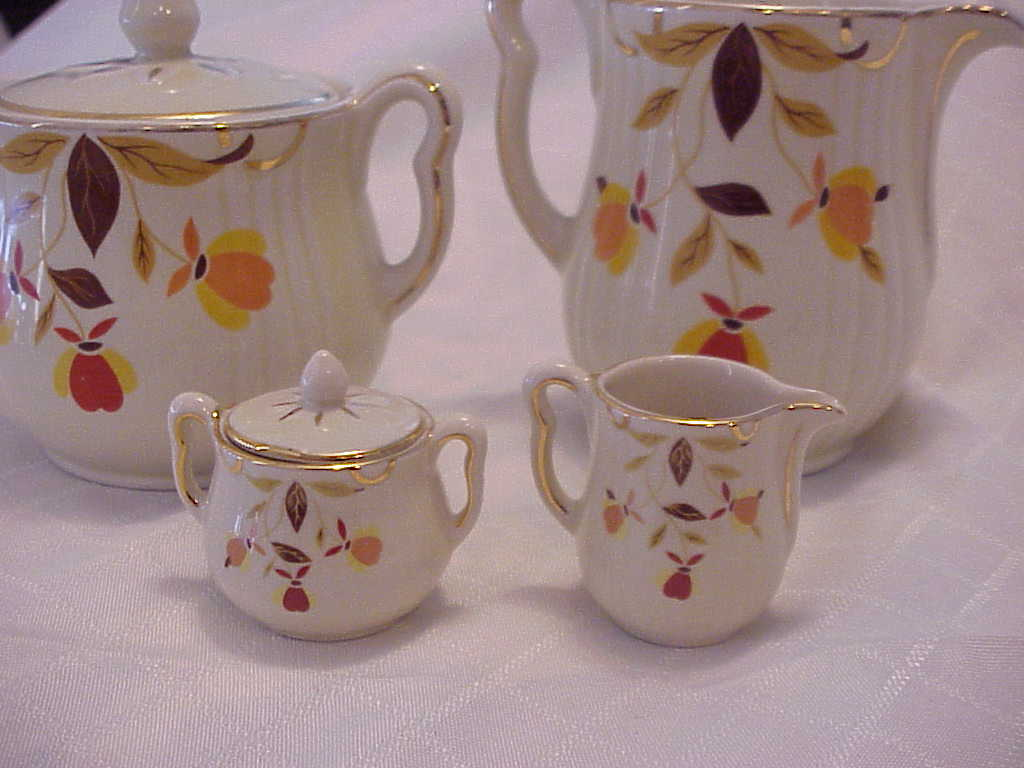 Hall Autumn Leaf Rayed Style Sugar & Creamer Miniature Set